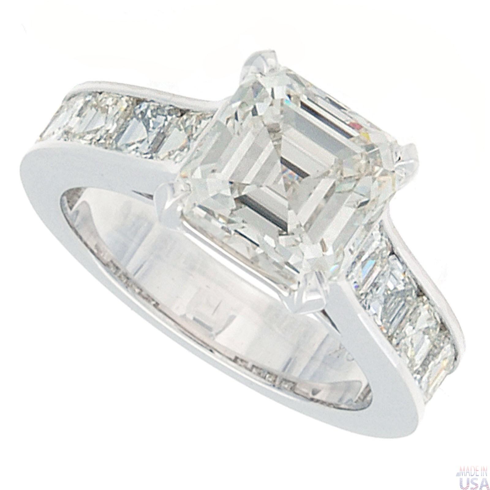 Stunning 4.09 carat Asscher Cut Diamond Platinum Ring For